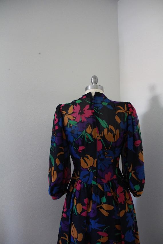 1980's Pauline Trigere Floral Dress - image 5