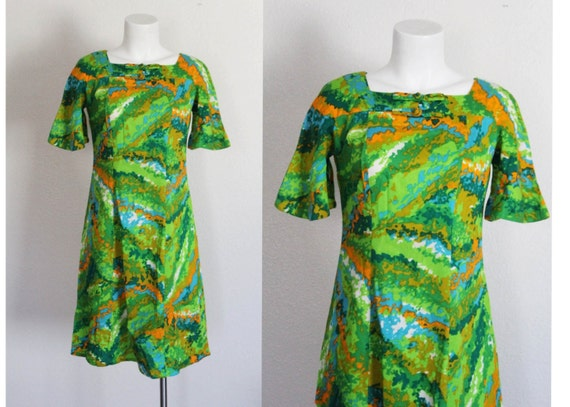 Vintage 1960s Hawaiian Dress / Kamehameha Hawaii D
