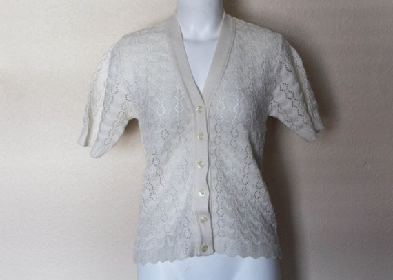VINTAGE CROCHET PATTERN PRETTY SHORT SLEEVED CARDIGAN