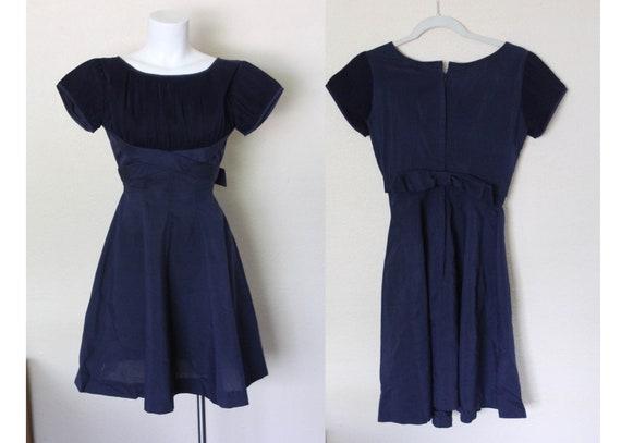 Vintage 1960s Navy Blue Short Dress / Small Navy V