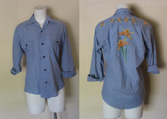 Vintage 1970s Embroidered Chambray Shirt / 1970s V