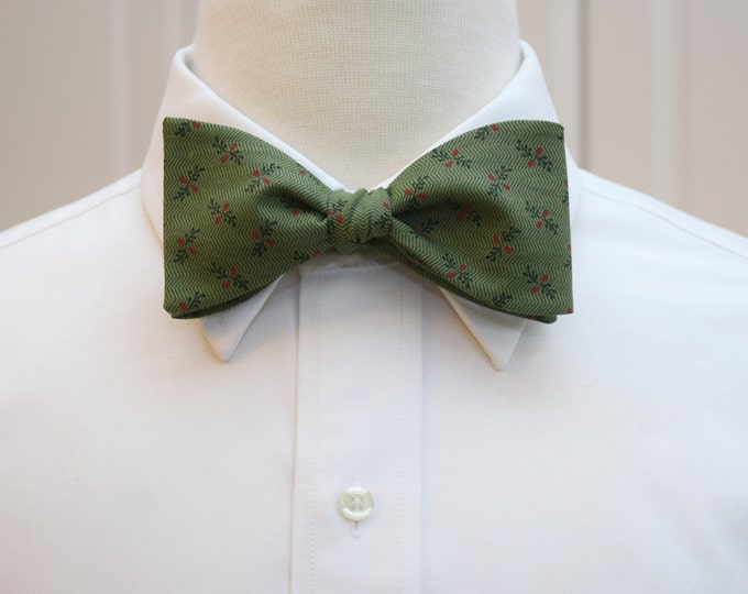 Men's green Christmas bow tie, classy holiday gift for him, holiday party bow tie, winter bow tie, red berries bow tie, mistletoe bow tie