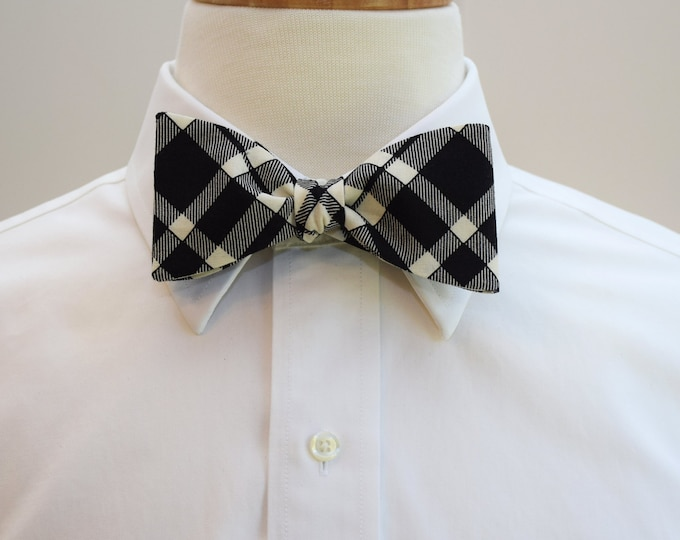 Men's Bow Tie, black and ivory plaid bow tie, grooms bow tie, formal menswear, elegant black bow tie, wedding party attire, plaid bow tie