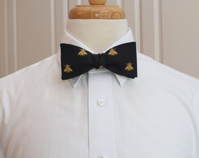 Men's Bow Tie, black/ gold bees, Napoleonic bee bow tie, bee lovers gift, wedding/groom bow tie, groomsman gift, elegant honey bee bow tie