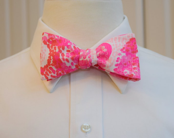 Men's Bow Tie, pink pout PBJ Lilly print in hot pink, pale pinks, groom bow tie, groomsmen gift, wedding bow tie, prom bow tie, Derby bowtie