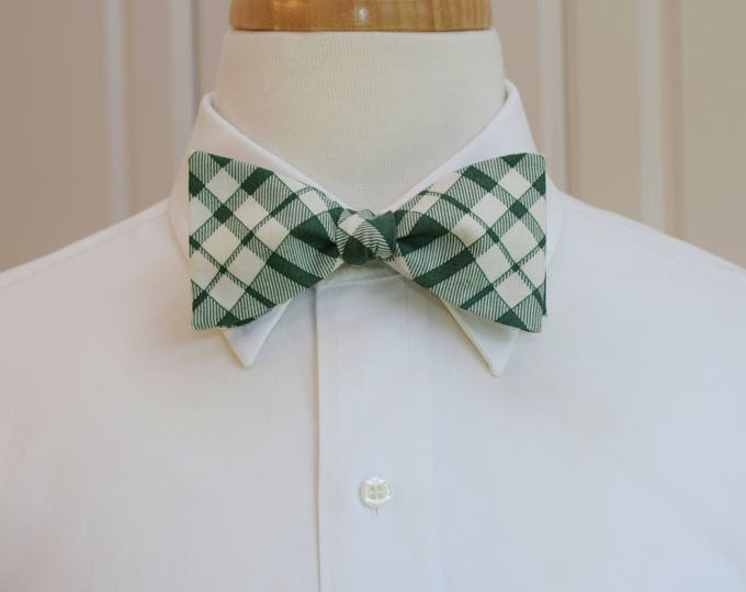 Men's Bow Tie, hunter green/ivory plaid, wedding bow tie, groom/groomsmen bow tie, holiday bow tie, wedding party wear, green/white bow tie