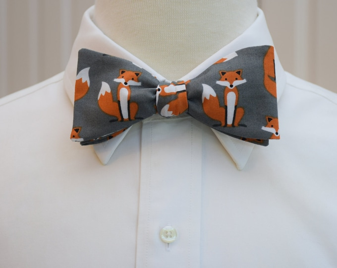Men's Bow Tie, gray fox bow tie, zoo wedding bow tie, vet bow tie, animal lover bow tie, fox lover bow tie, cute foxes tie, tuxedo accessory