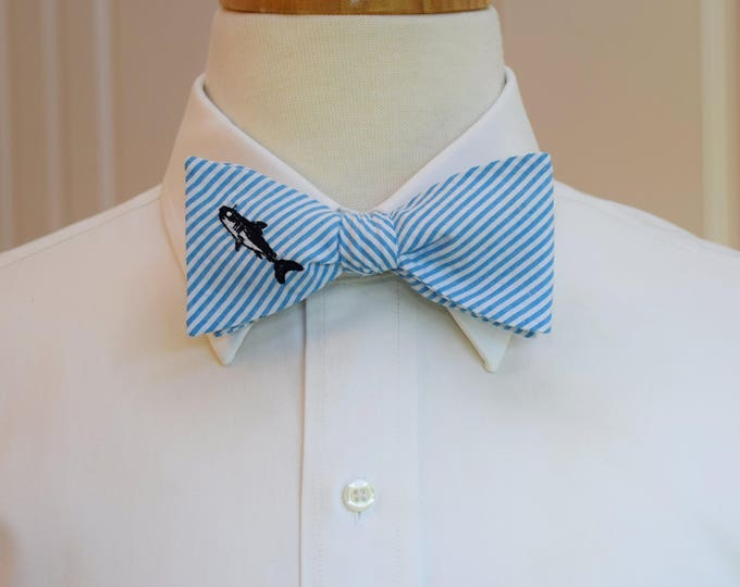 Men's Bow Tie, turquoise seersucker with shark embroidery, wedding party tie, groom bow tie, groomsmen gift, summer bow tie, beach bow tie