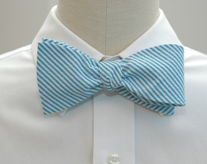 Men's bow tie, turquoise seersucker, wedding party tie, groom bow tie, groomsmen gift, summer bow tie, wedding accessory, self tie bow tie