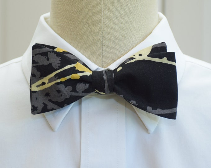 Men's Bow Tie, black and gold, bird bow tie, tuxedo accessory, wedding bow tie, groom bow tie, formal menswear, elegant mens gift, prom wear