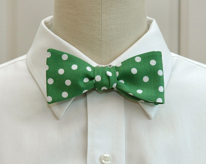 Men's Bow Tie, Kelly green & white polka dots, green bow tie, emerald bow tie, St. Patrick's Day bow tie, wedding bow tie, groomsmen gift