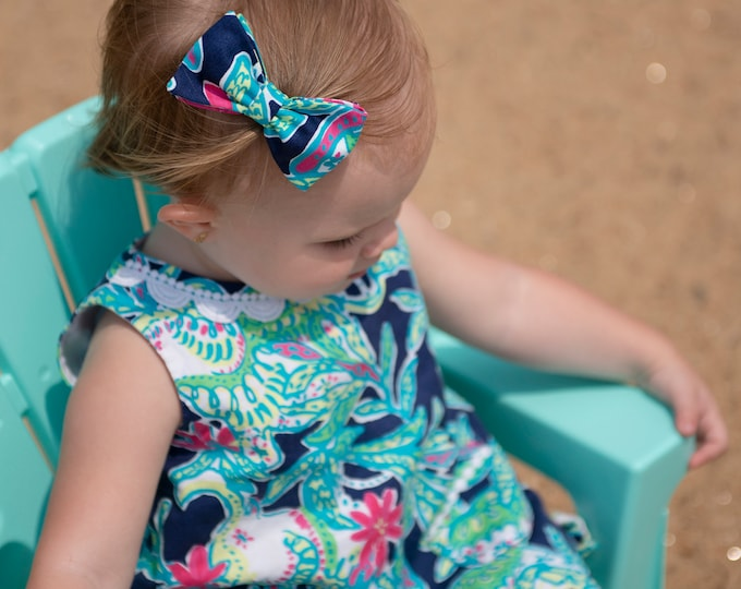 Girl's hair bow, wedding accessory, toddler hair bow on barrette, Lilly print hair bow, Lilly fabric hair bow, matching hair bow, fabric bow