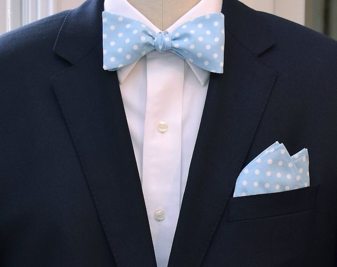 Men's Pocket Square and Bow Tie in pale blue with white polka dots, wedding party wear, groomsmen gift, groom bow tie set, men's gift set