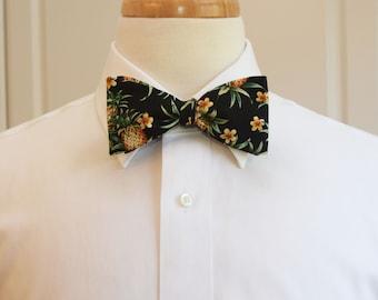 532f3152c2cc Men's Bow Tie, Hawaiian print bow tie, pineapple bow tie, tropical bow tie, floral  bow tie, wedding bow tie, groom/groomsmen bow tie, prom