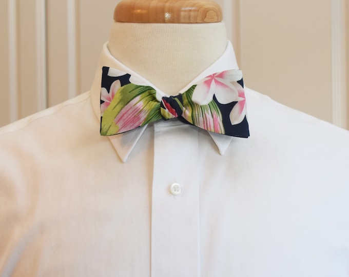 Men's Bow Tie, Hawaiian print bow tie, navy/green/pink/red floral bow tie, tropical bow tie, wedding/groom/groomsmen bow tie, boyfriend gift