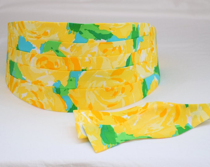 Cummerbund & Bow Tie, yellow First Impressions Lilly print, groom formal wear, wedding party wear, tuxedo accessory, custom cummerbund, prom
