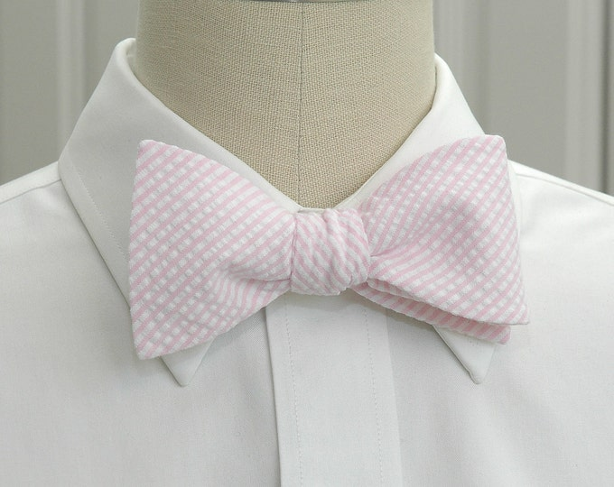 Men's Bow Tie, pale pink seersucker, wedding party tie, groom bow tie, groomsmen gift, summer bow tie, wedding accessory, self tie bow tie