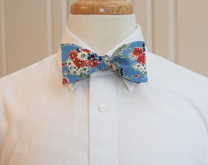 Men's Bow Tie, red/white/blue floral, groom/groomsmen bow tie, spring bow tie, bunch of flowers bowtie, wedding bow tie, cornflower blue tie