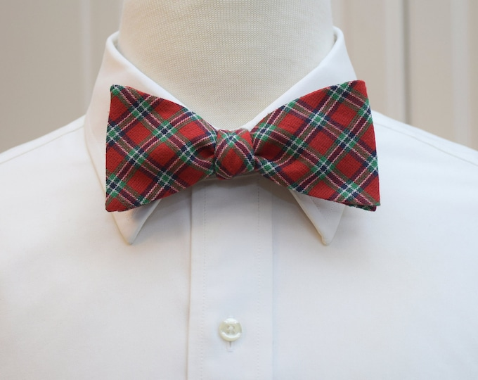 Men's Bow Tie, red and green plaid, Scottish tartan bow tie, classic plaid bow tie, Christmas bow tie, Irish plaid bow tie, holiday bow tie