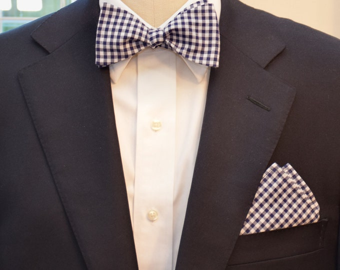 Men's Pocket Square & Bow Tie set, navy gingham, wedding party wear, groomsmen gift, groom bowtie set, men's gift set, navy white bowtie set