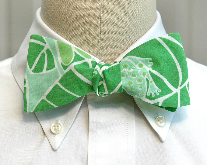 Men's Bow Tie, Lilly Pad green bow tie, Lilly print, frog bow tie, wedding bow tie, groom bow tie, tropical leaf bow tie, LAST ONE