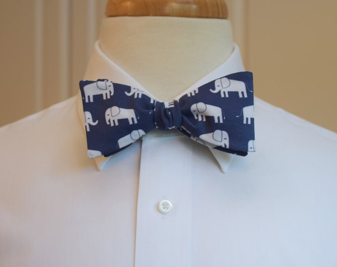 Men's Bow Tie, navy with white elephants, zoo wedding bow tie, elephant lover gift, navy/white elephant bow tie, Republican elephant gift