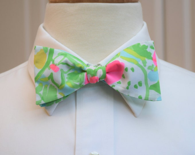 Men's Bow Tie, Pink Lemonade pool blue Lilly print bow tie, pale blue bow tie, wedding bow tie, groom bow tie, groomsmen gift, prom bow tie