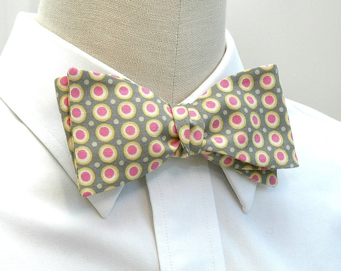 Men's Bow Tie, gray with yellow and pink dots bow tie, wedding bow tie, groom bow tie, groomsmen gift, retro vibe bow tie, circles bow tie
