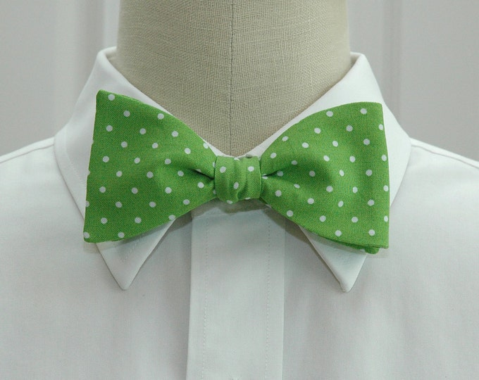 Men's Bow Tie, kiwi green with white pin dots bow tie, bright green bow tie, wedding bow tie, groom bow tie, groomsmen gift, prom bow tie