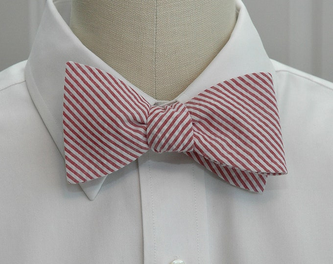 Men's Bow Tie in crimson seersucker, self tie, wedding party tie, groom bow tie, groomsmen gift, summer bow tie, wedding accessory