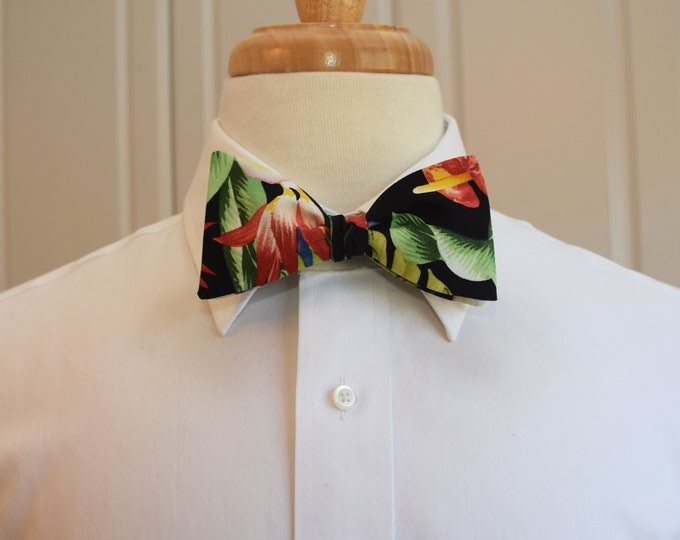 Men's Bow Tie, Hawaiian print bow tie, black/green/pink/red floral bow tie , tropical bow tie, wedding bow tie, groom/groomsmen bow tie,