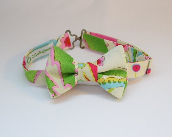 Boy's pre-tied Bow Tie, multi color ivory print, matching father/son bow ties, custom boy's bow tie, wedding accessory, toddler bow tie