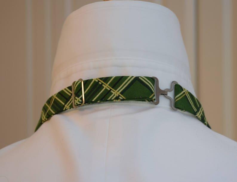 men/'s Xmas gift green plaid bow tie festive greengold plaid bow tie green Christmas bow tie Men/'s Bow Tie greengold holiday bow tie
