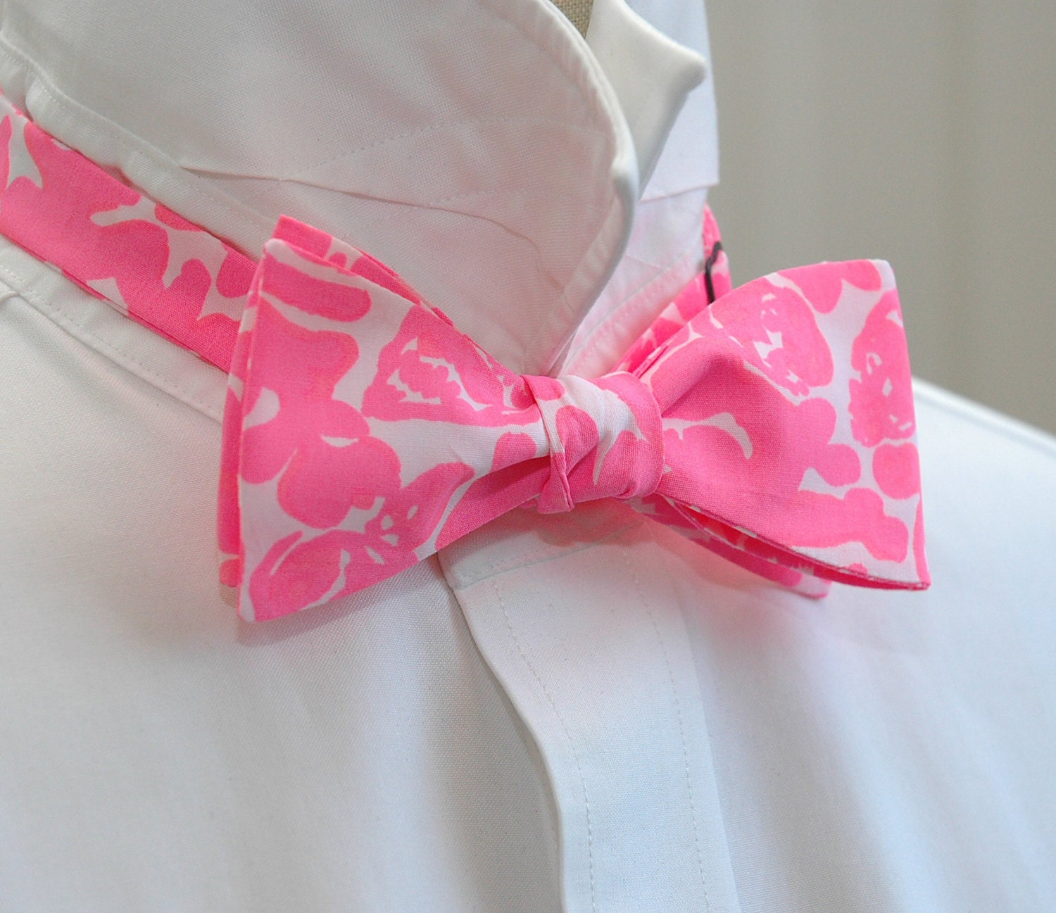 Men\'s Bow Tie, Lilly pink Party Favors, hot pink bow tie, wedding ...