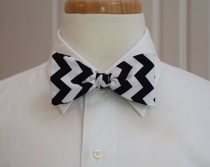 Men's Bow Tie, black/white chevrons, geometric print bow tie, wedding party bow tie, groom/groomsmen bow tie, black/white tuxedo accessory