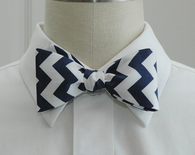 Men's Bow Tie, navy/white chevrons, geometric print bow tie, wedding party wear, groomsmen gift, groom bow tie, dark navy white bow tie