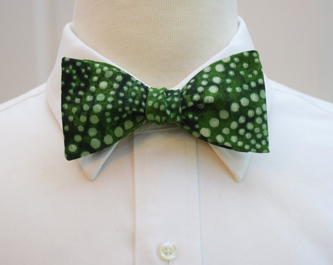 Men's Bow Tie in forest green, tonal green diagonal polka dots, stylish holiday bow tie, emerald green bow tie, tasteful Christmas bow tie
