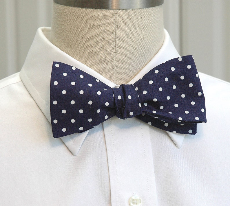 traditional bow tie Men/'s Bow Tie groomsmen gift checked bow tie groom bow tie blue bow tie wedding bow tie blue and white gingham