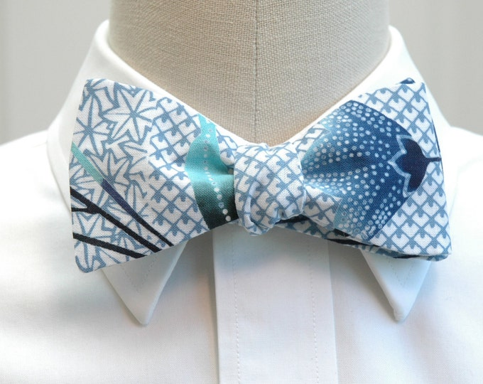 Men's Bow Tie, blue/white Japanese yukata design, traditional indigo blue Japanese kimono print, wedding bow tie, groom/groomsmen bow tie