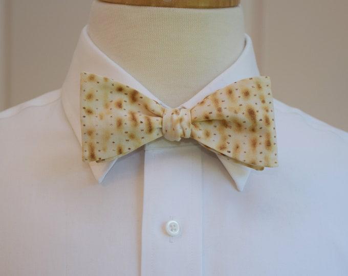 Men's Bow Tie, matzoh cracker bow tie, Passover bow tie, Judaica bow tie, Seder bow tie, cracker print bow tie, Bar Mitzvah bow tie gift