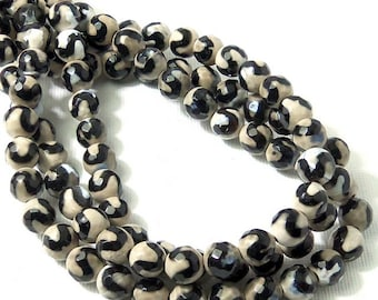 Black Striped Fired Agate, 8mm, S Wave Pattern, Stenciled, Tibetan Dzi Style, Round, Faceted, Small, 15 Inch Strand - ID 1953