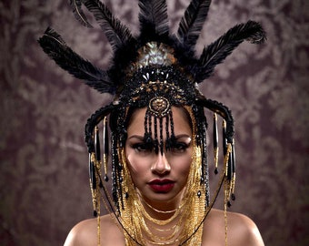 Black Orchid, Headdress