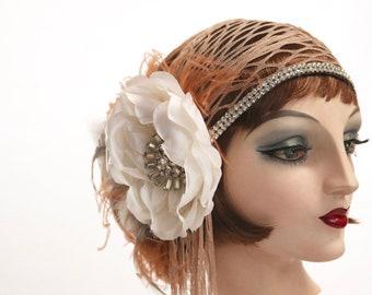 Magnolia Lane, Headdress