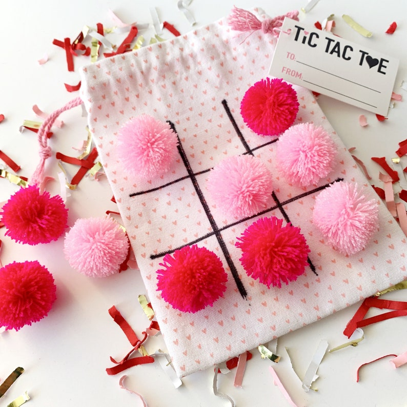 Valentines Day Kid Gifts Tic Tac Toe Game Travel Game Pink image 0