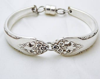 Lovely lady spoon bracelet, floral pattern 1957,  silverware jewelry, upcycled, Mother's day, free shipping and gift box, ready to ship