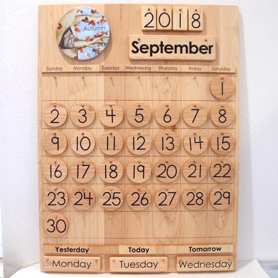 Calendario Perpetuo Da Parete.Calendario Scolastico In Legno Calendario Perpetuo Da Jennifer