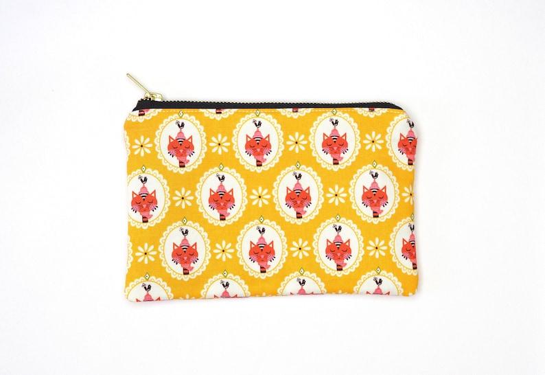 Sassy Cats Yellow Print Metal Zipper Bag 8x5  Makeup Bag / image 0