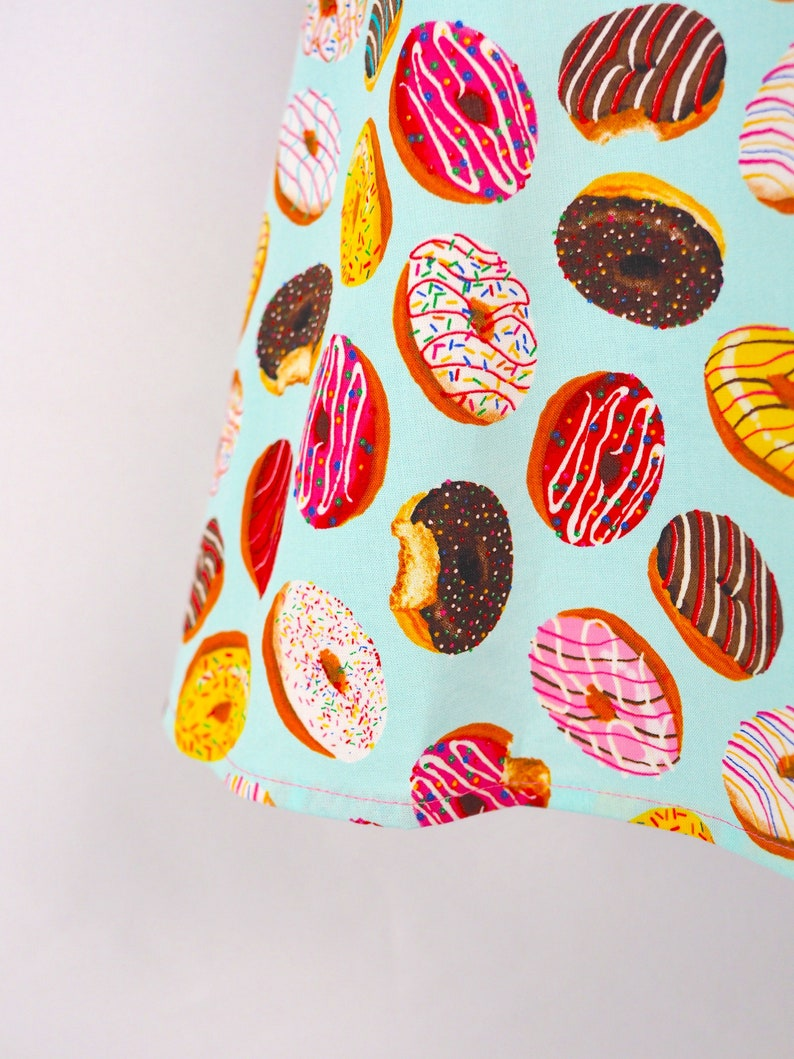 Doughnut Lovers Mother Daughter Aprons Dress Up Apron, Gift for Girls Donut Children/'s Apron Mommy and Me Pastel Pink Girls Apron