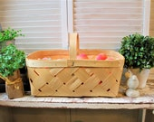 Large Chipwood woven basket, vintage basket, natural farmhouse style basket, large farmhouse french country basket wedding table centerpiece