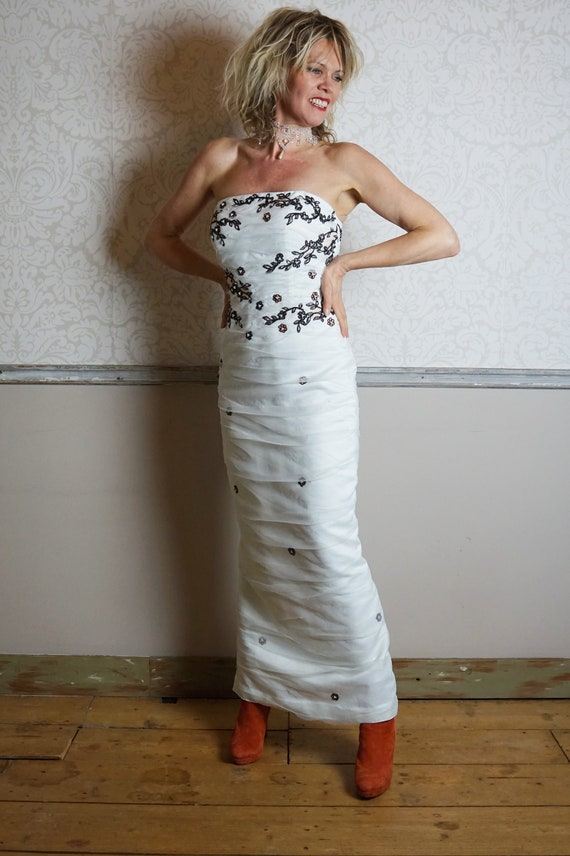 1990s Sarah Danielle Strapless White Tulle Embroid